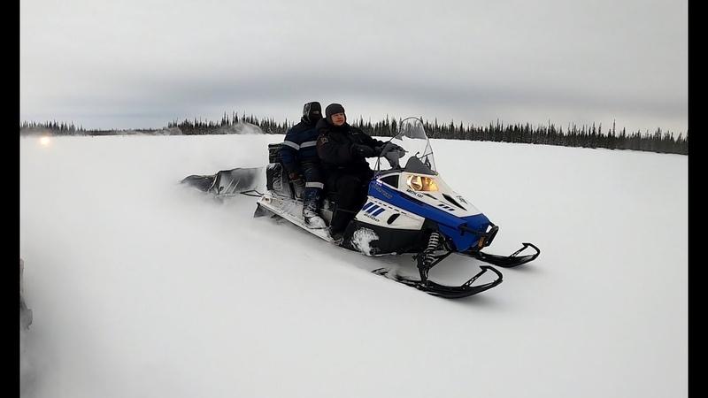 Вытаскиваем снегоход Arctic cat лебедкой, дорога до озера