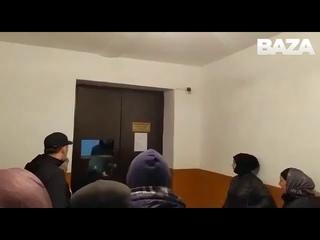 Жители (точнее жительницы) дагестанского Хасавюрта взяли штурмом отделение местного горгаза. Женщина