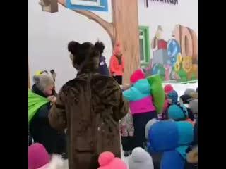 песенку про алкоголь поставили в детском саду