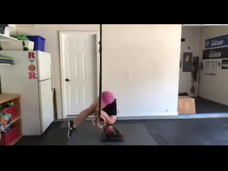 Ring handstand pull up auxiliary exercise progressive