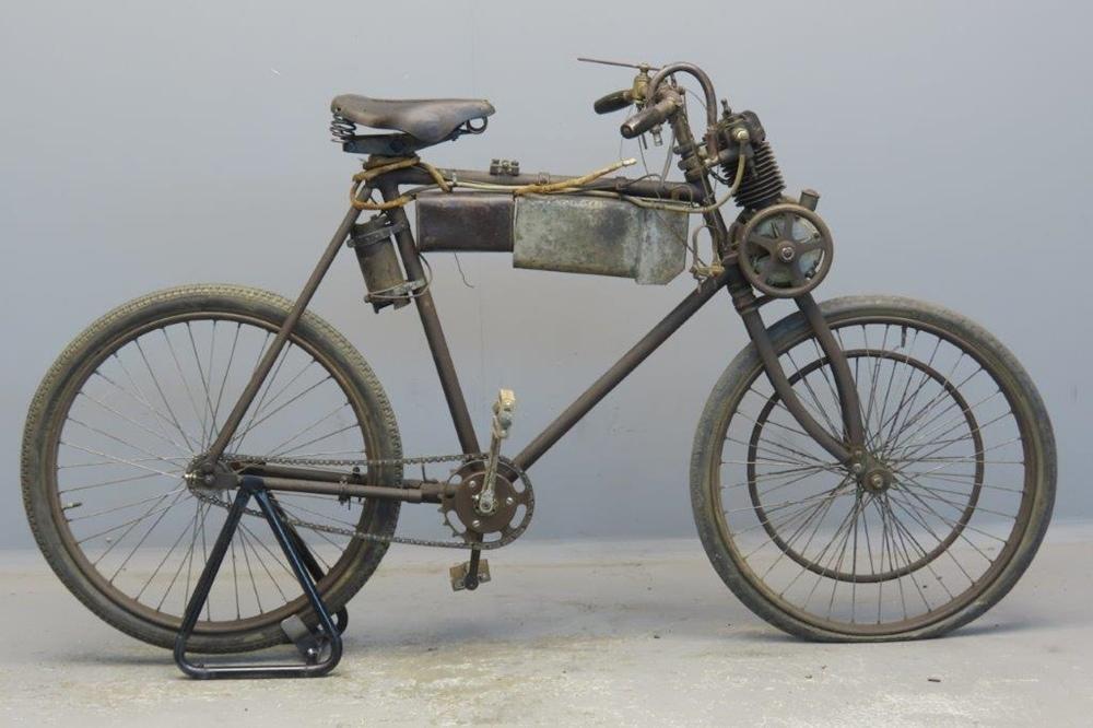 Старинный мотоцикл Werner 1899