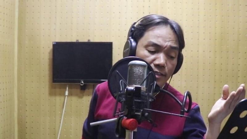 HINDI GAJAL AAPJINKE KARIB HOTE HAI COVER BY OM PRAKASH RAI