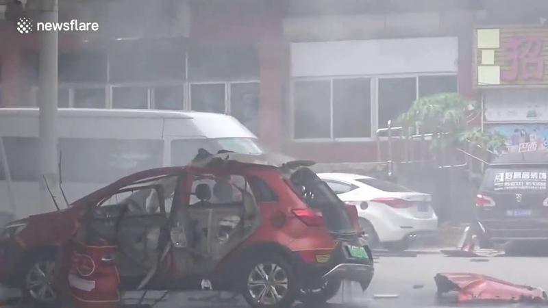 Китайский электрокар эффектно взорвался во время подзарядки Liveleak com Electric car explodes while charging in southern Chi