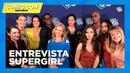 Интервью каста «Супергерл» для «WarnerBrothersTV» в рамках Комик-Кона 20 июля, Сан-Диего