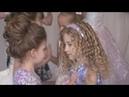 Нежный танец девочек на выпускном в детском саду