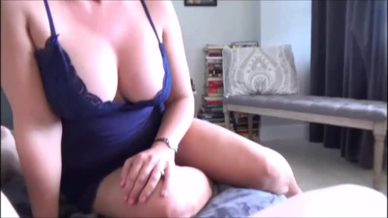 Трахнул толстушку дома на кровати, POV home sex wife milf curvy plump love suck