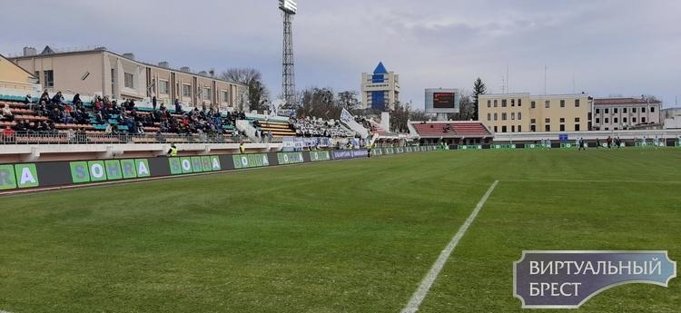 Динамо-Брест - Смолевичи: показываем яркие моменты прямо с матча (1:1)