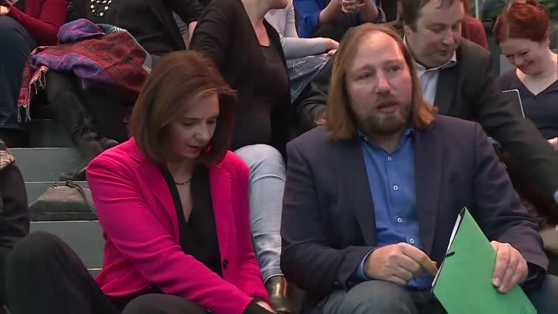 DIE GRÜNEN_ Hofreiter lobt Seehofer für neuen Migrationskurs [720p]