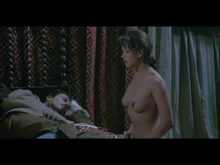 Софи Марсо голая - Sophie Marceau_Revenge Of The Musketeers_1