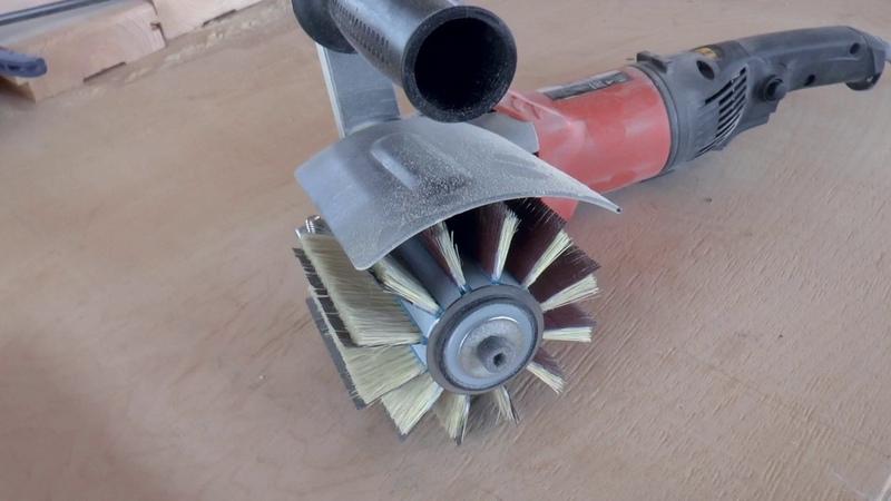 Насадка на УШМ для браширования поверхности древесины