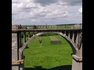 Экстремалы прыгают с Мокринского моста