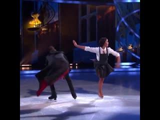 Отрывок выступления участников британского шоу Танцы на льду (Hedwig's Theme)
