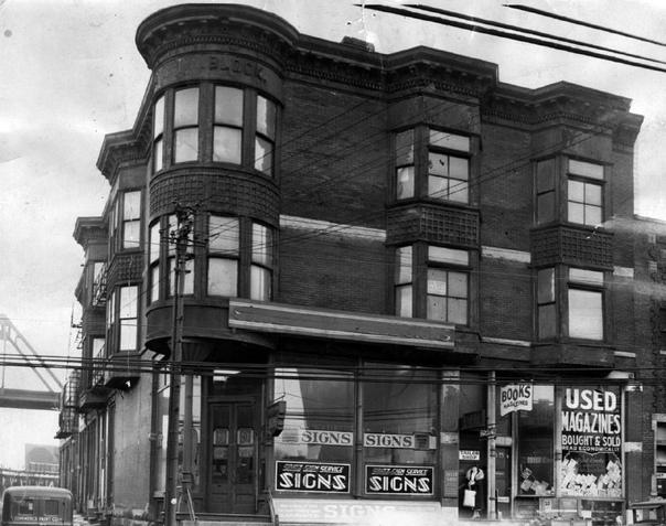 Сказки на ночь. Серийный убийца Генри Говард Холмс в конце 19 века построил в Чикаго отель со множеством ловушек. Во время строительства Холмс поменял несколько подрядчиков, поэтому только он