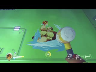 Torbs summer games skin has an inflatable hammer, and it squeaks!
