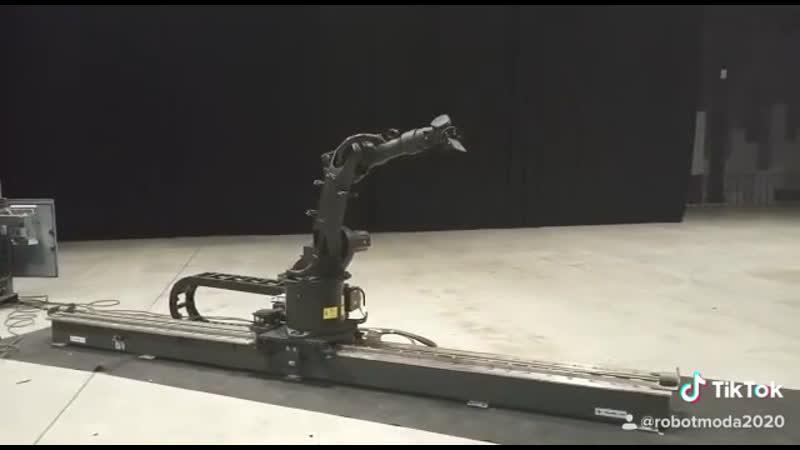 Робот Шоу на ваше Мероприятие! Заказ-Аренда Робот Мода robotshow event robotmoda www.robotmoda.ru