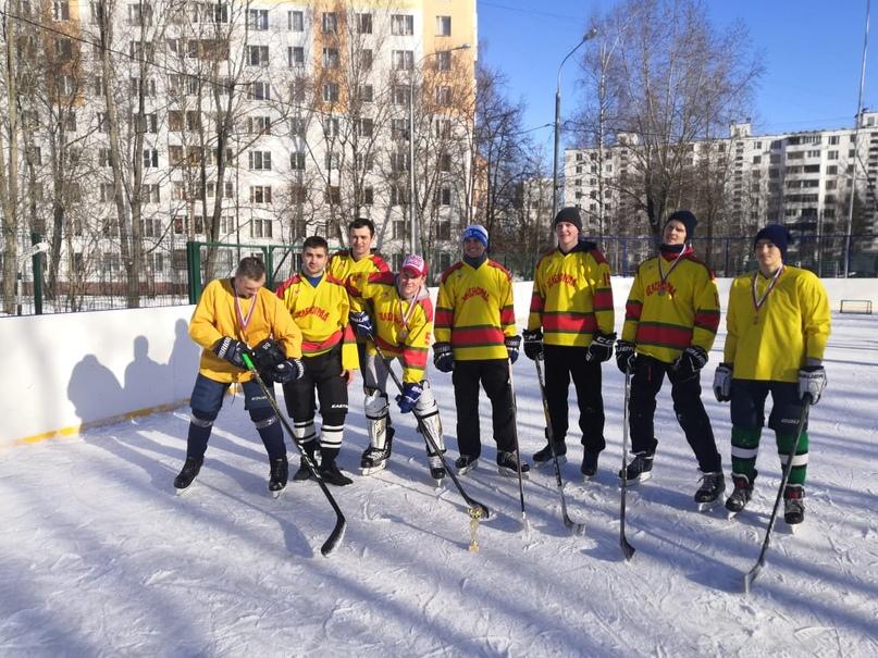 Команда «Ребята с нашего двора»