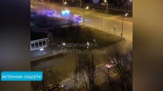 Ночью в Казани пять патрульных машин ГИБДД устроили погоню за «Газелью»