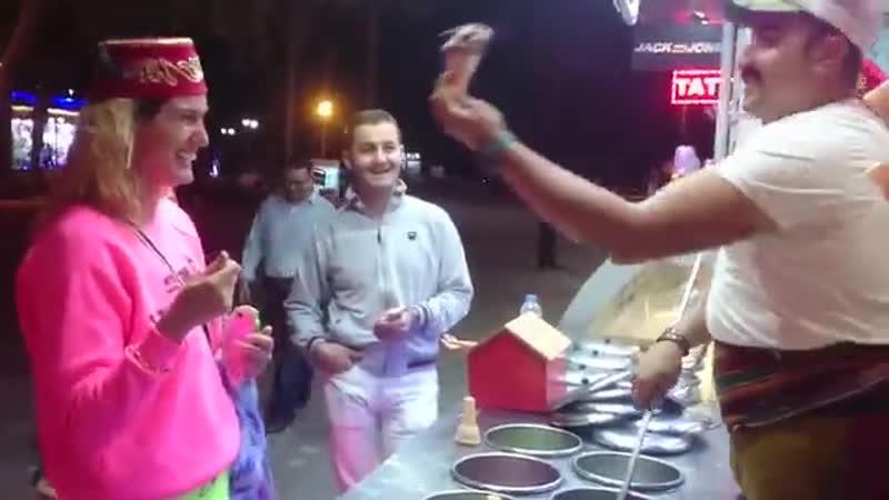 Turkish-icecream-Tuba-zay-n-KahramanMara-dondurmas-yemek-isterseYakup-ceren-dondurma-owice-ice-baby