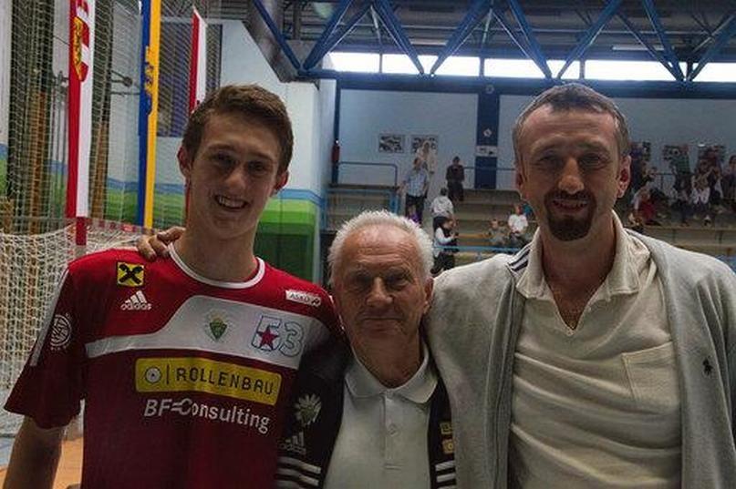 Отец и сын Билыки с Анатолием Евтушенко