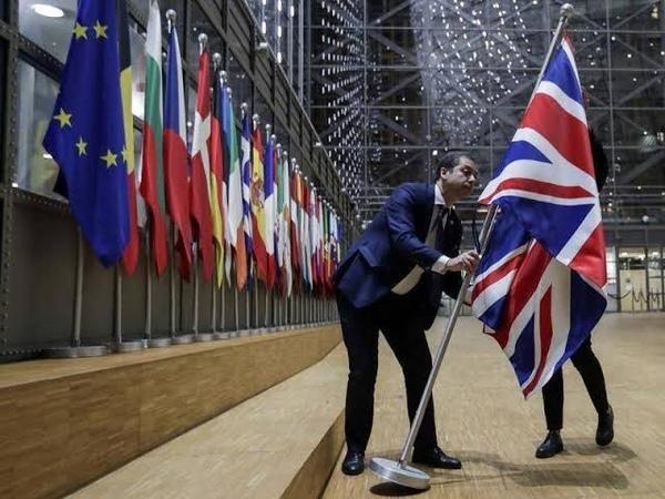 Bandeira do Reino Unido é retirada do Conselho Europeu