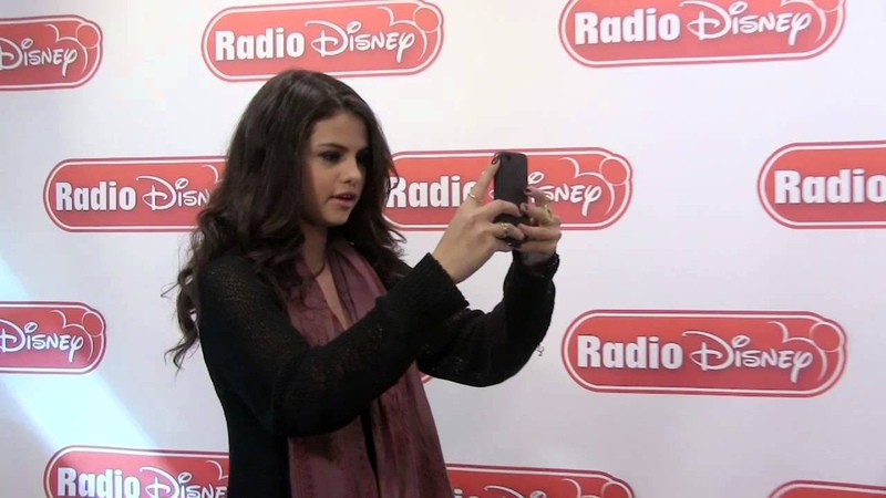 Selena Gomez Selfies Radio Disney