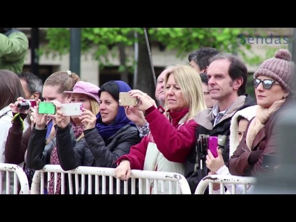 Himno Firme y Adelante en cambio de guardia Palacio de la Moneda