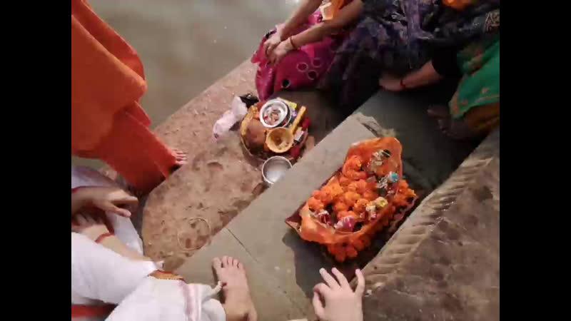 Пуджа на Радха Кунде