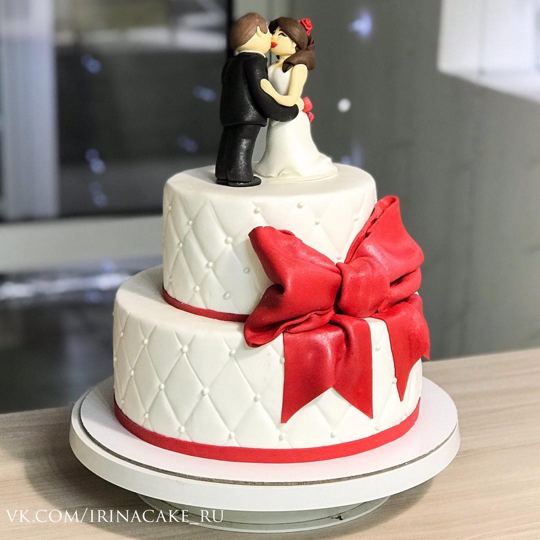 свадебный торт с фигурками (Арт. 530)