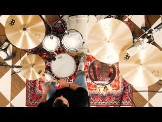 Артист Meinl Cymbals Eman Cervantes воспроизводит полный чек тарелок Pure Alloy