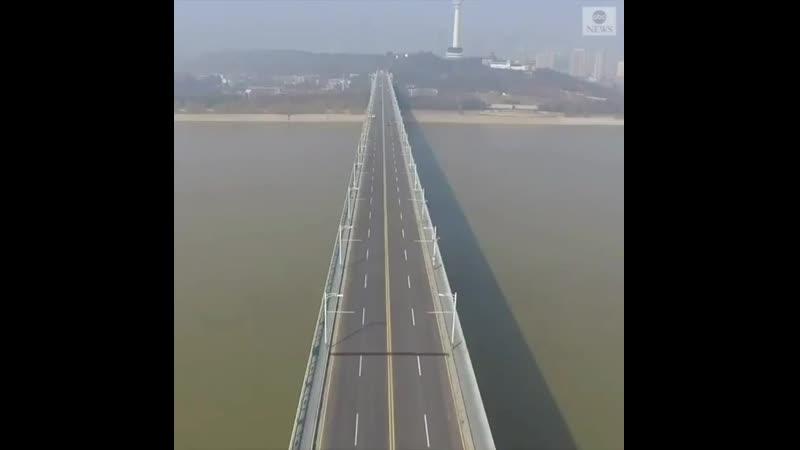 Китайский город Ухань словно вымер