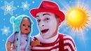 Детские видео с куклами – БЕБИ БОН собирается гулять! Холодно или Жарко – Весёлые игры одевалки