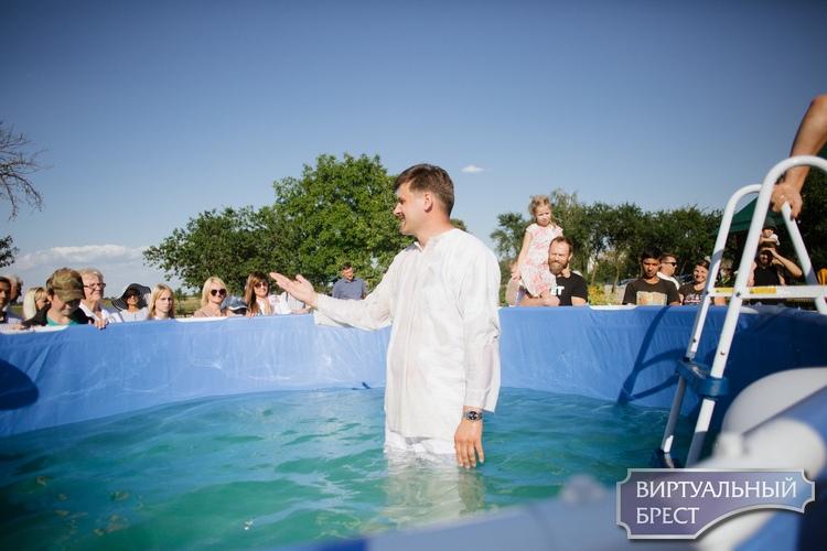Церковь евангельских христиан баптистов в деревне Тростяница отмечала свой столетний юбилей