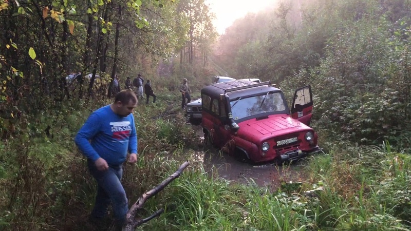 Вечерний Off-road в Новосибирске Mitsubishi Pajero 2, Land Rover Discovery, Nissan Patrol и УАЗы.