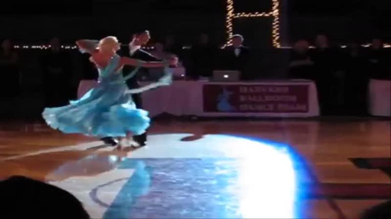 Белый танец поет Людмила Сенчина