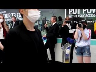 VK180802 MONSTA X fancam @ Los-Angeles Airport