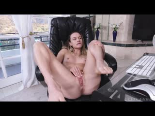 Emma Hix and Naomi Swann - Fashionista - Lost Part 1 [All Sex, Hardcore, Blowjob, Gonzo]