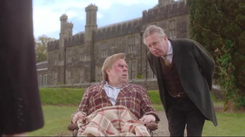 Это достаточно далеко Да сэр Отрывок из сериала Замок Бландингс