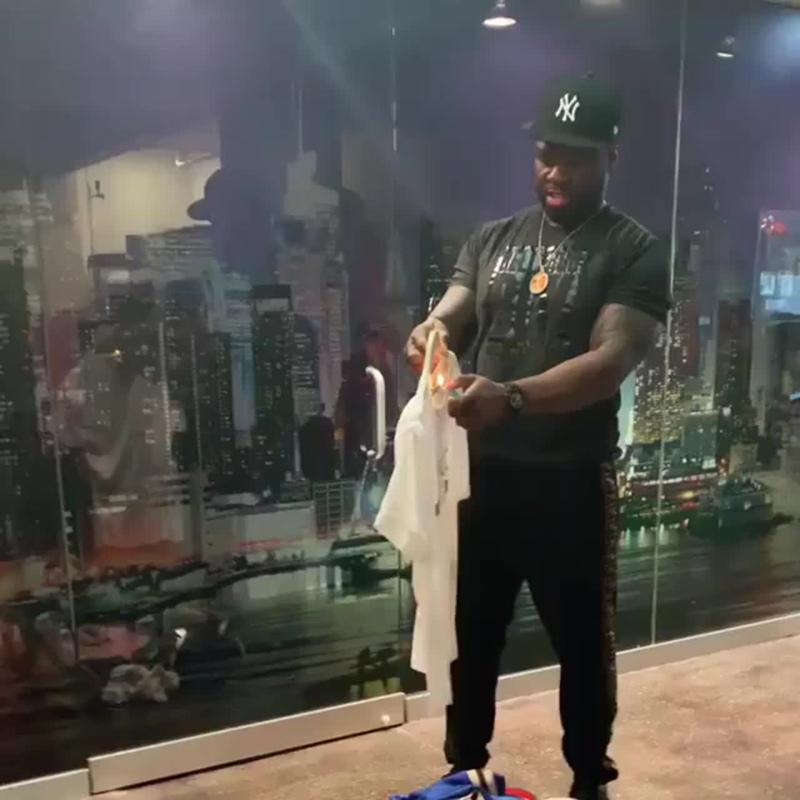 50 Cent сжёг свою футболку Gucci [Мой рэп - тренд]