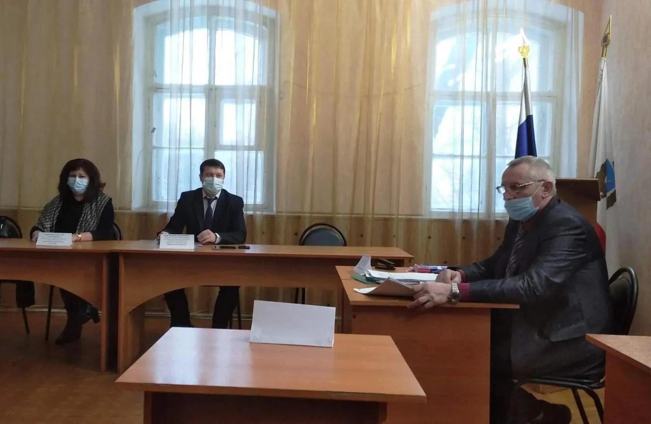Состоялось плановое заседание районной комиссии по делам несовершеннолетних и защите их прав