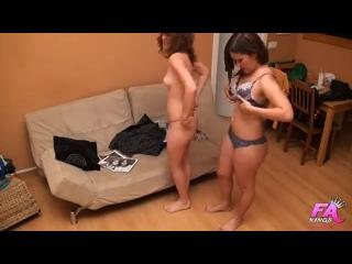 Порно подстава скрытая камера - две подружки развели на секс незнакомого парня