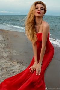 Valeria yakubovskaya влюбилась в парня на работе а у него есть девушка