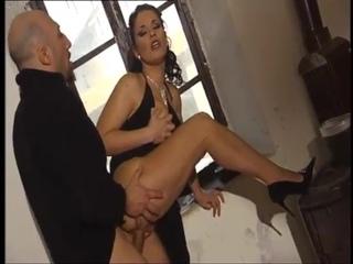 Лысый чётко выебал знойную шкуру в попец и об кончал лицо - anal , retro vintage , milf mature musli, arab , asshole butt tits