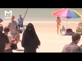 Житель Флориды протестует против открытия пляжей