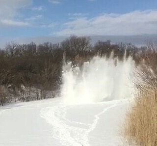 Специалисты областной службы спасения провели первые ледовзрывные работы