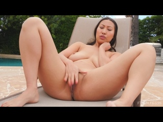 Sharon Lee 2 ()