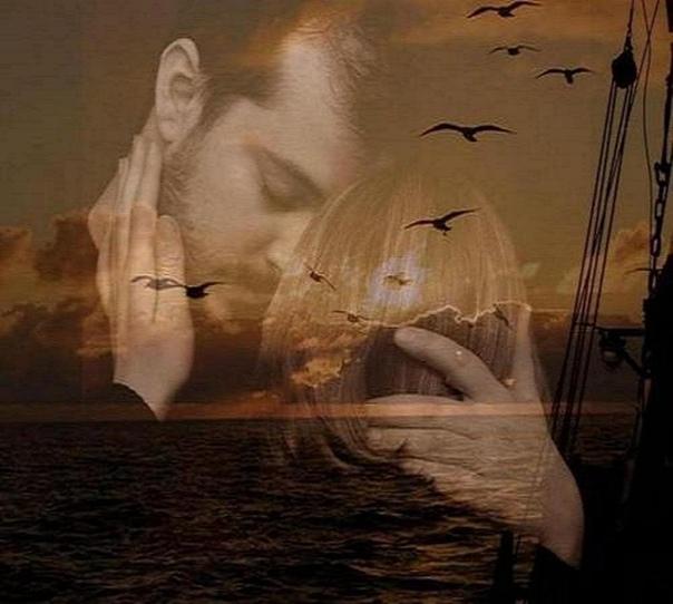 Не оставляй меня одну. Я не хочу опять вернутьсяВ те дни, когда на сердце пустота.Когда пытаешься сквозь слёзы улыбнутьсяИ вновь душа от мира заперта.Закрыта на засов она железныйИ кажется как