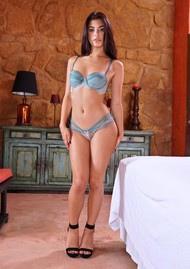 Vanessa Veracruz и Gina Valentina