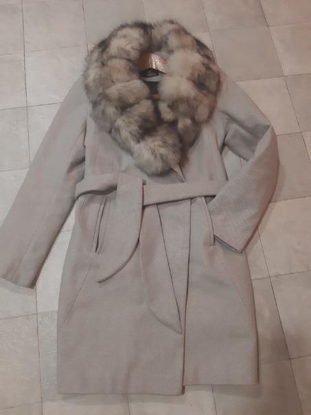 Пальто зимнее , шерсть, 42/44, 3900, стоило дорого...