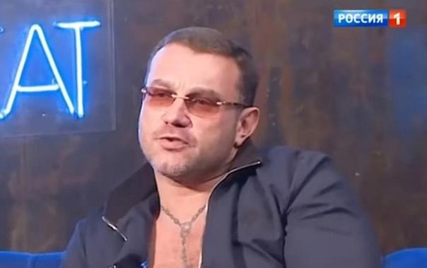 Дочь Маши Распутиной обвинила брата в распутстве! Мария Захарова заявила, что ее старший брат много раз делал ей непристойные предложения и даже угрожал, за несогласие их осуществить! Не так