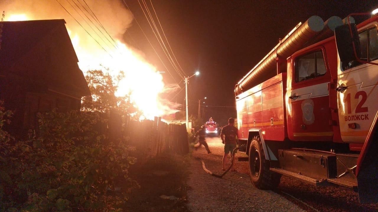 Пожар в микрорайоне Заря